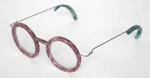 Glasses made of fish scales - by Erik de Laurens