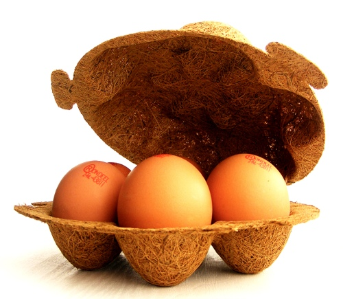 The egg box (by Enkev) is made of Cocolok® (100% natural coconut fibre and 100% natural rubber).